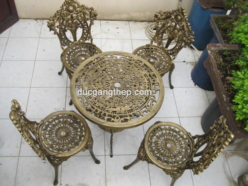 Bàn ghế ngoài trời kiểu dáng cổ điển - Mã BHL (1)